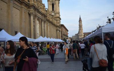 La VIII Feria del Mercado Social despliega la economía solidaria en el corazón de la ciudad.